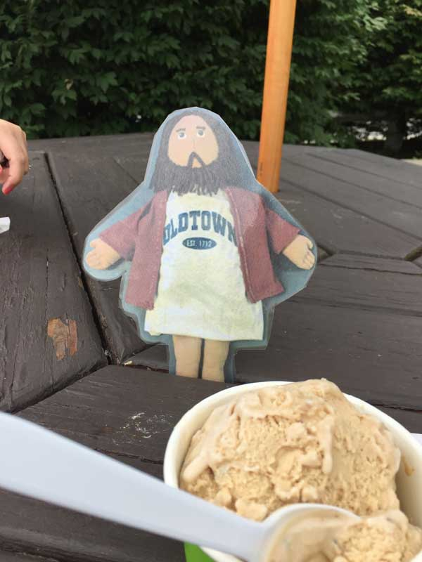 Flat Jesus Enjoys Ice Cream in Sudbury
